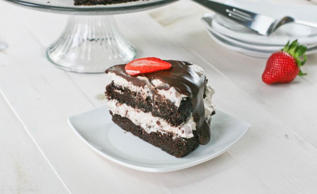Image source: http://foodbabbles.com/2012/05/17/chocolate-cake-with-balsamic-strawberry-whipped-cream-filling-improv-challenge/